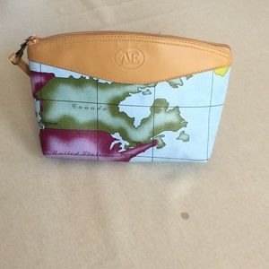 Handbags - Three piece nesting wristlet/cosmetic bag